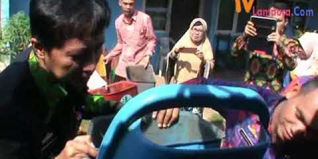 """Azwar Yazid"""" FPS Mengubah Sampah jadi Rupiah"""""""